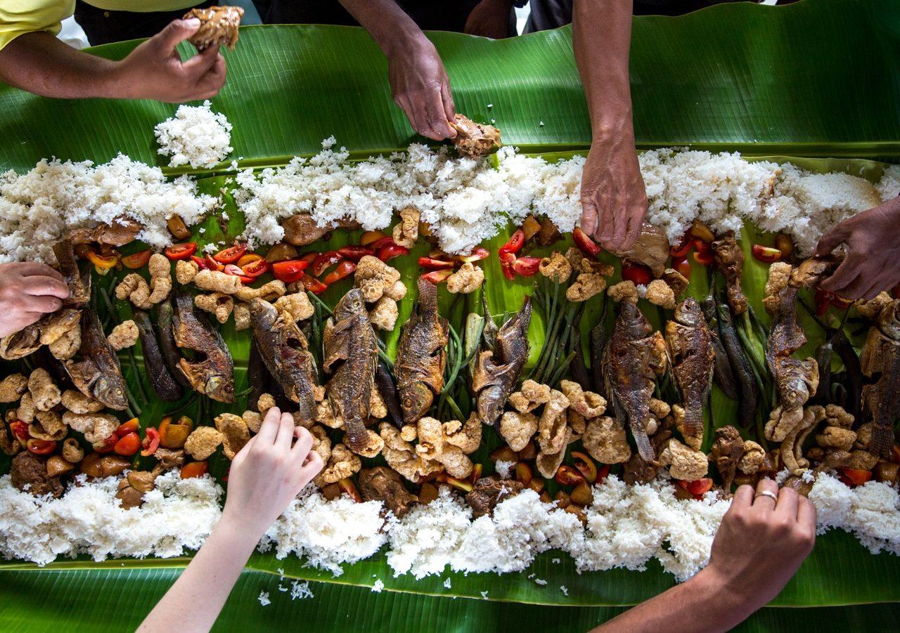 Rice-Media-Politics-Waiting-Food-Arrive-Eat-1